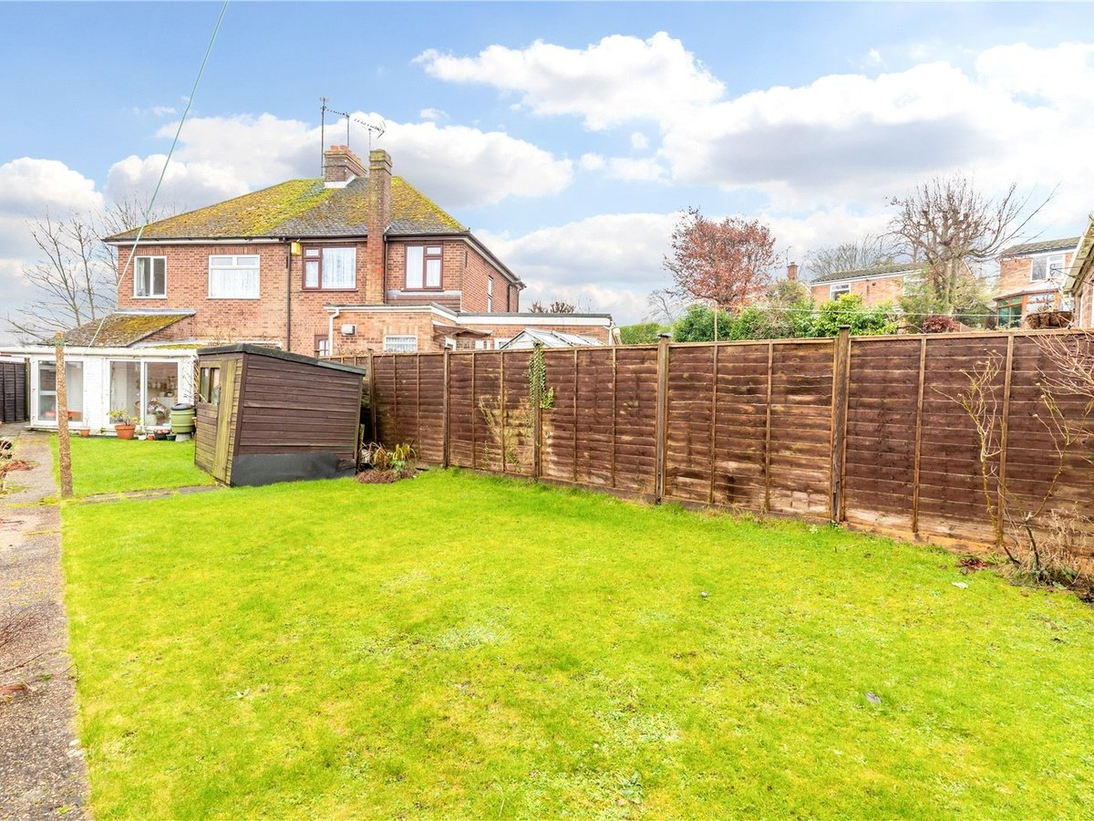 3 bedroom  House for sale in Dunstable - Slide 4