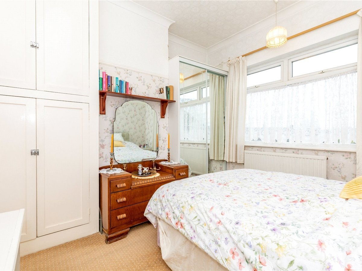 3 bedroom  House for sale in Dunstable - Slide 12