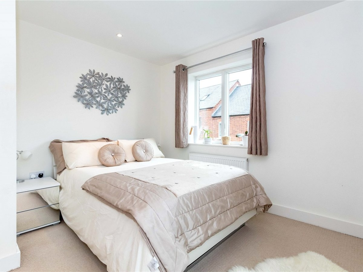 1 bedroom  Flat/Apartment for sale in Buckingham - Slide 4