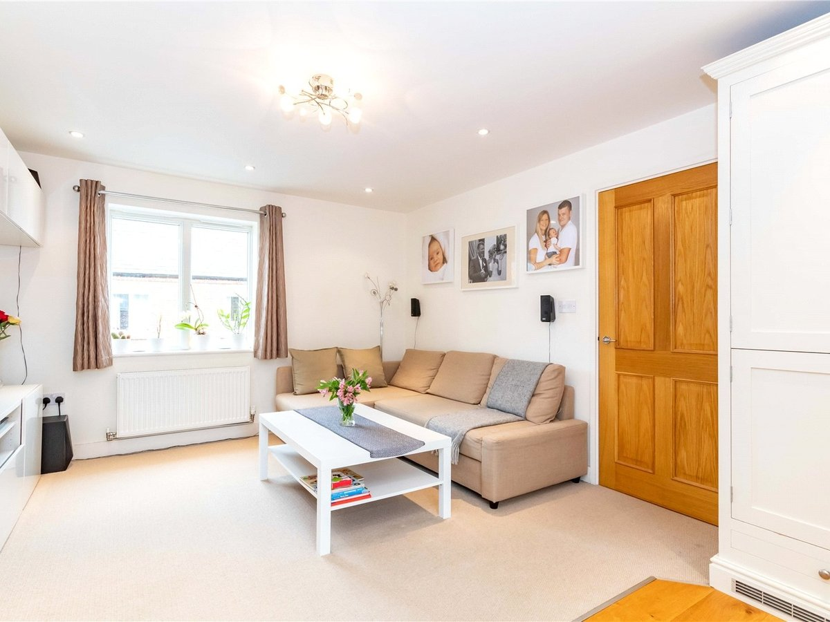 1 bedroom  Flat/Apartment for sale in Buckingham - Slide 6