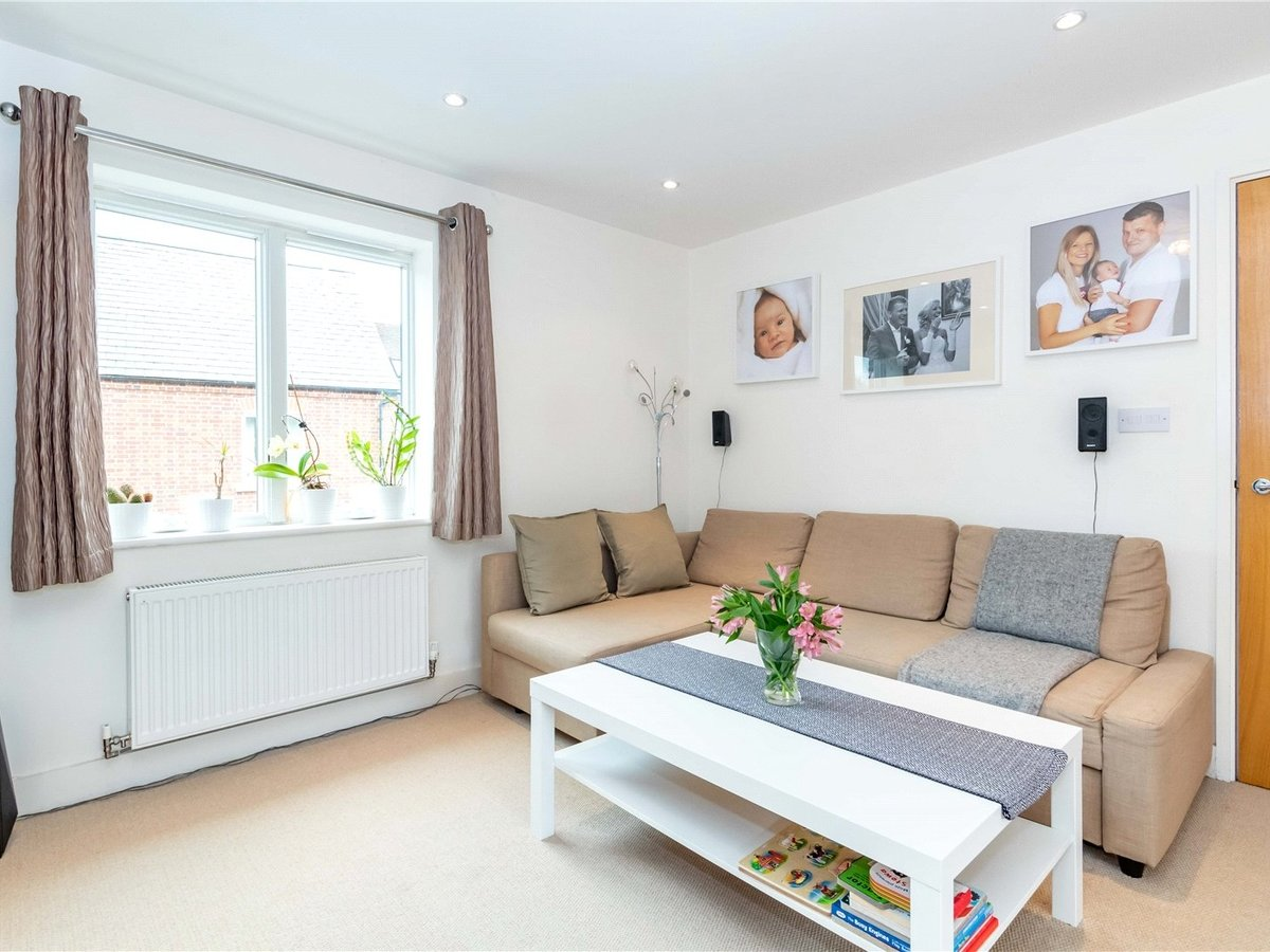 1 bedroom  Flat/Apartment for sale in Buckingham - Slide 11