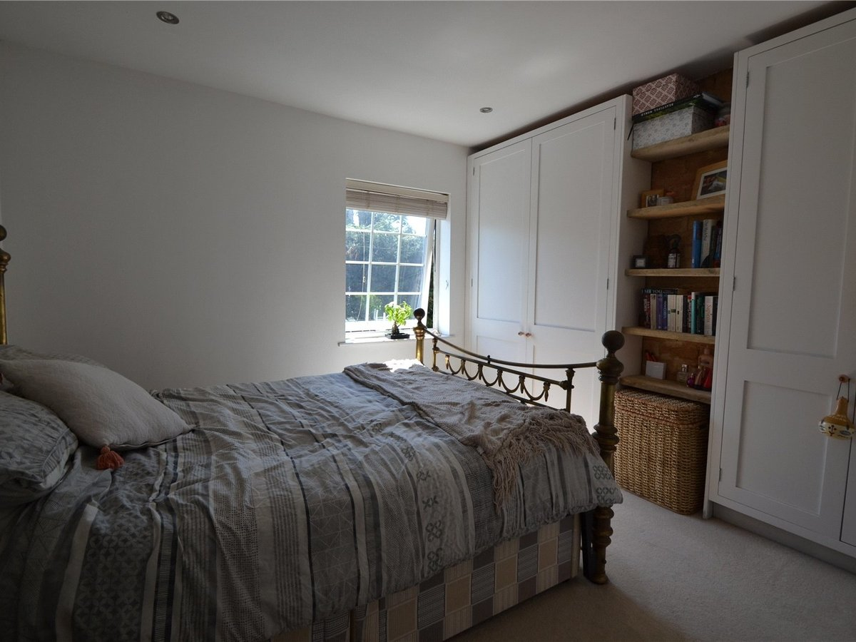 2 bedroom  House for sale in Milton Keynes - Slide 5