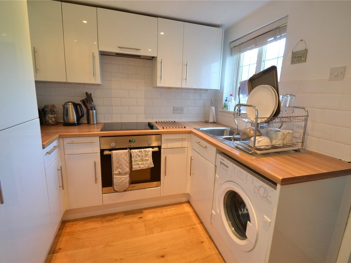 2 bedroom  House for sale in Milton Keynes - Slide 2