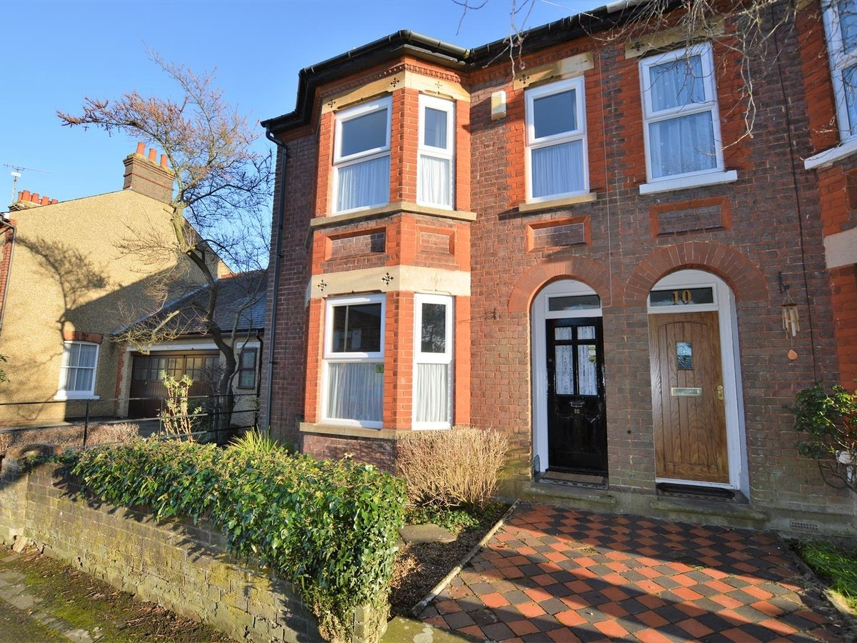3 bedroom  House - Semi-Detached for sale in Dunstable - Slide 17