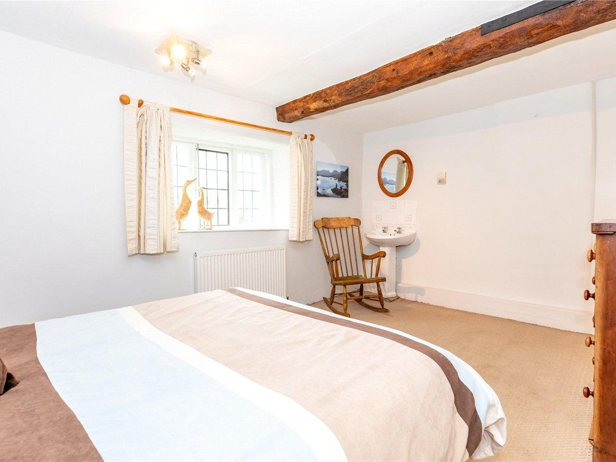 4 bedroom  House for sale in Northamptonshire - Slide 12
