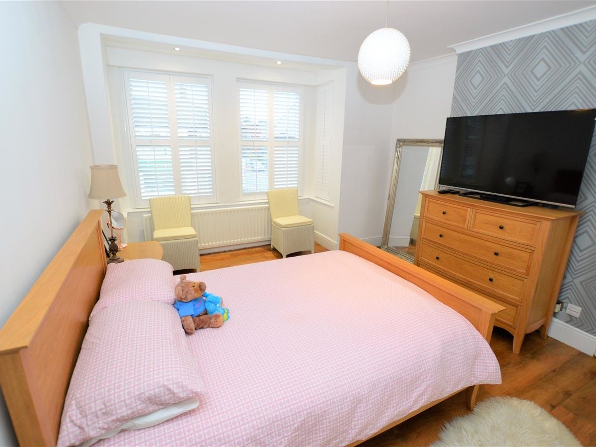 5 bedroom  House - Semi-Detached for sale in Dunstable - Slide 15