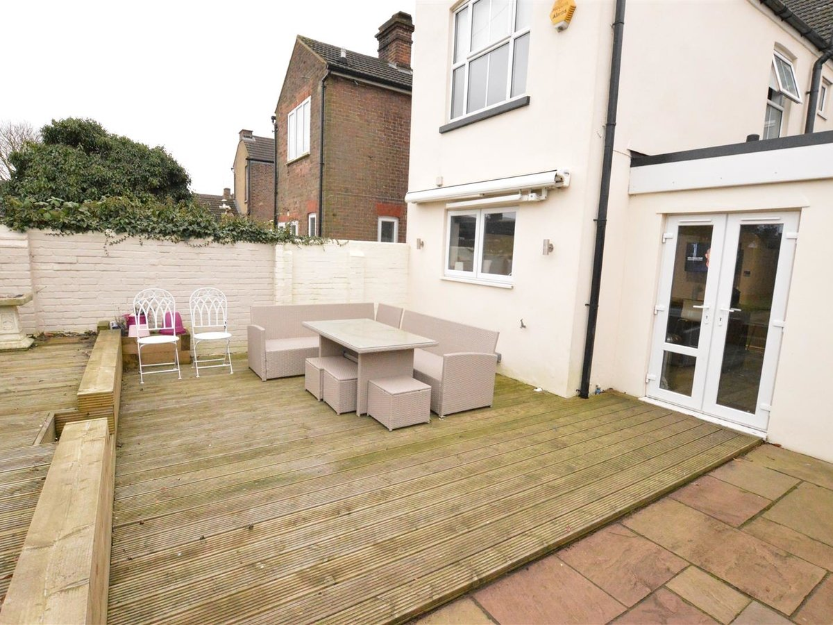 5 bedroom  House - Semi-Detached for sale in Dunstable - Slide 22