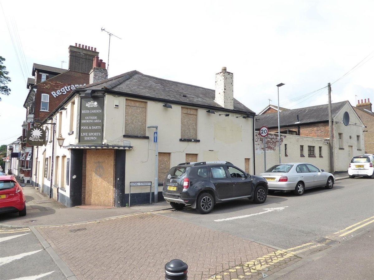 6 bedroom  CommercialProperty for sale in High Street South - Slide 4