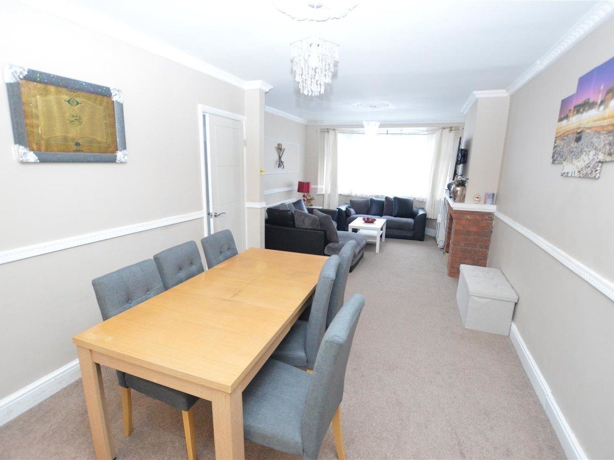 House - Semi-Detached for sale in Dunstable - Slide 7