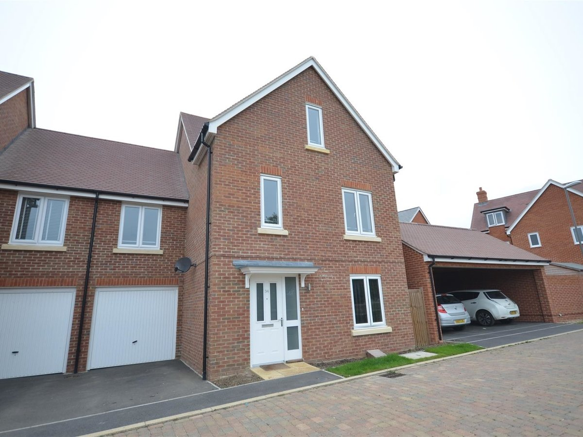 House - Semi-Detached for sale in Aylesbury - Slide 18