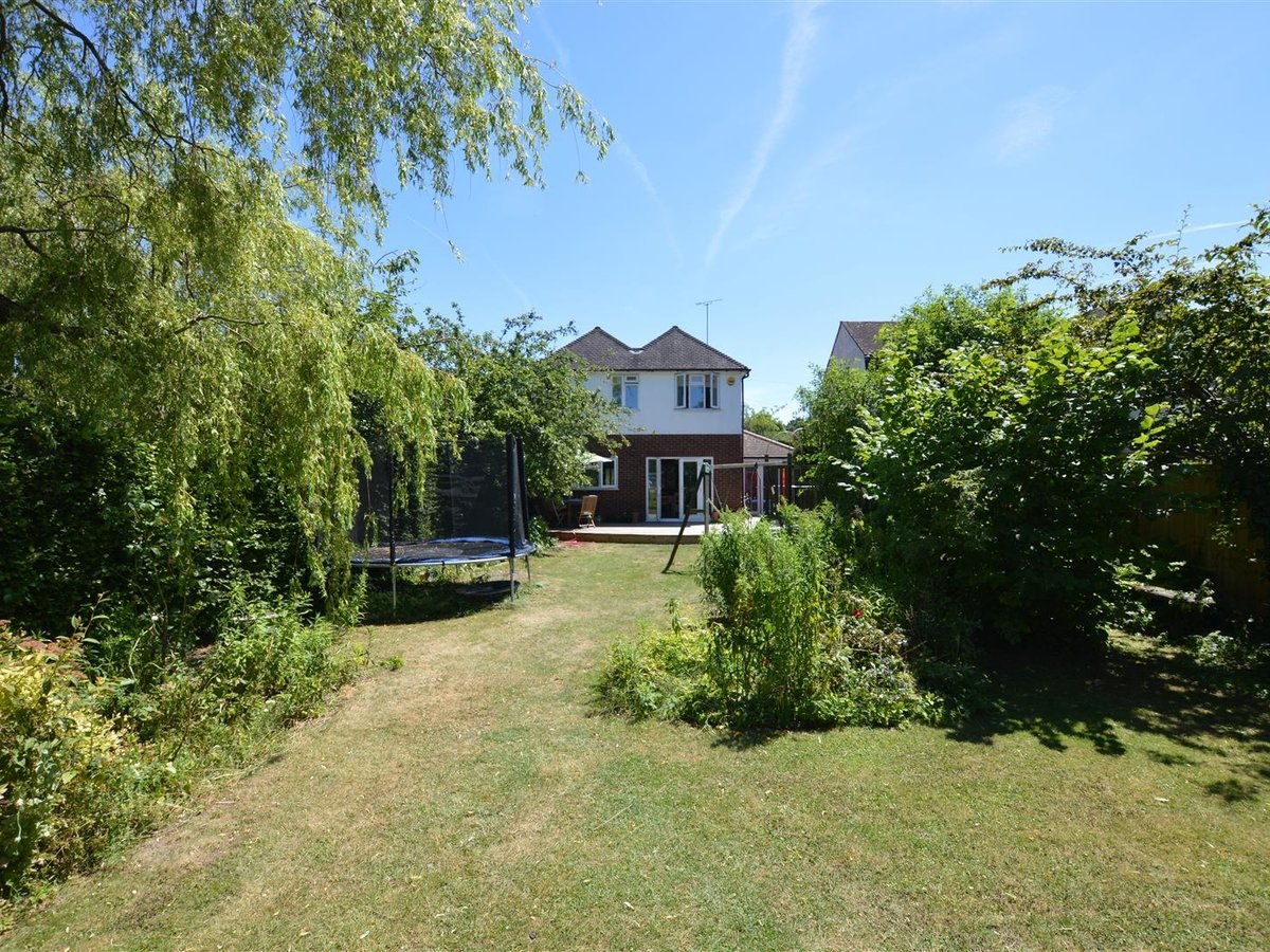 House - Detached for sale in Dunstable - Slide 4