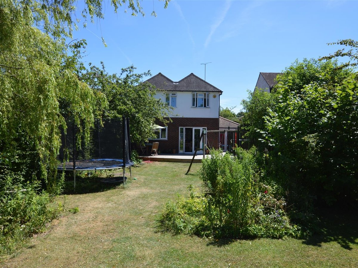 House - Detached for sale in Dunstable - Slide 16