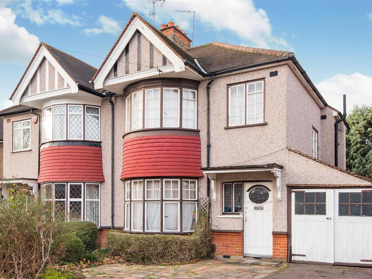House for sale in Harrow - Slide 1
