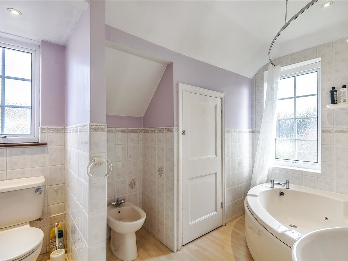 House - Semi-Detached for sale in Pinner - Slide 5