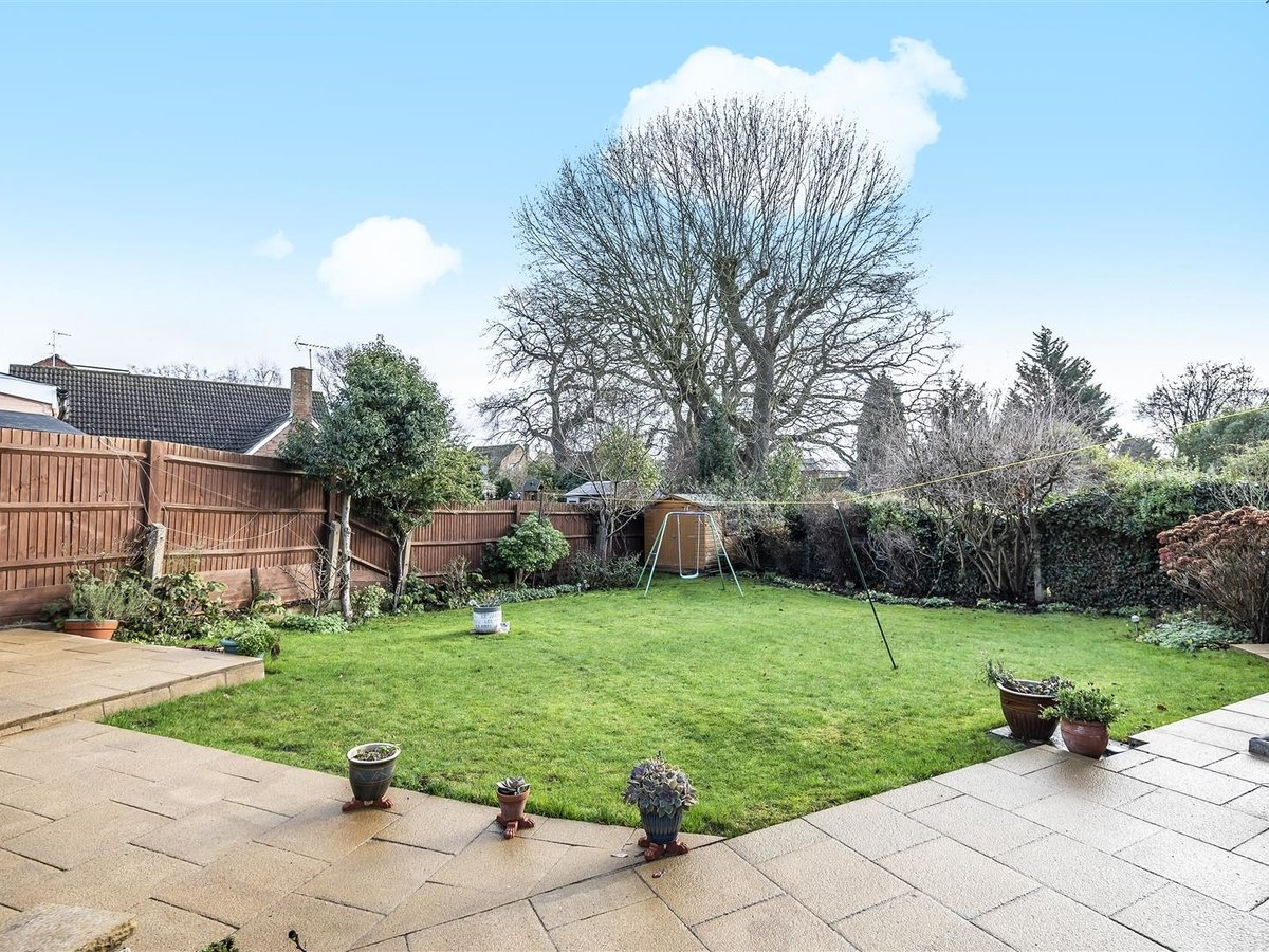 House - Semi-Detached for sale in Pinner - Slide 8