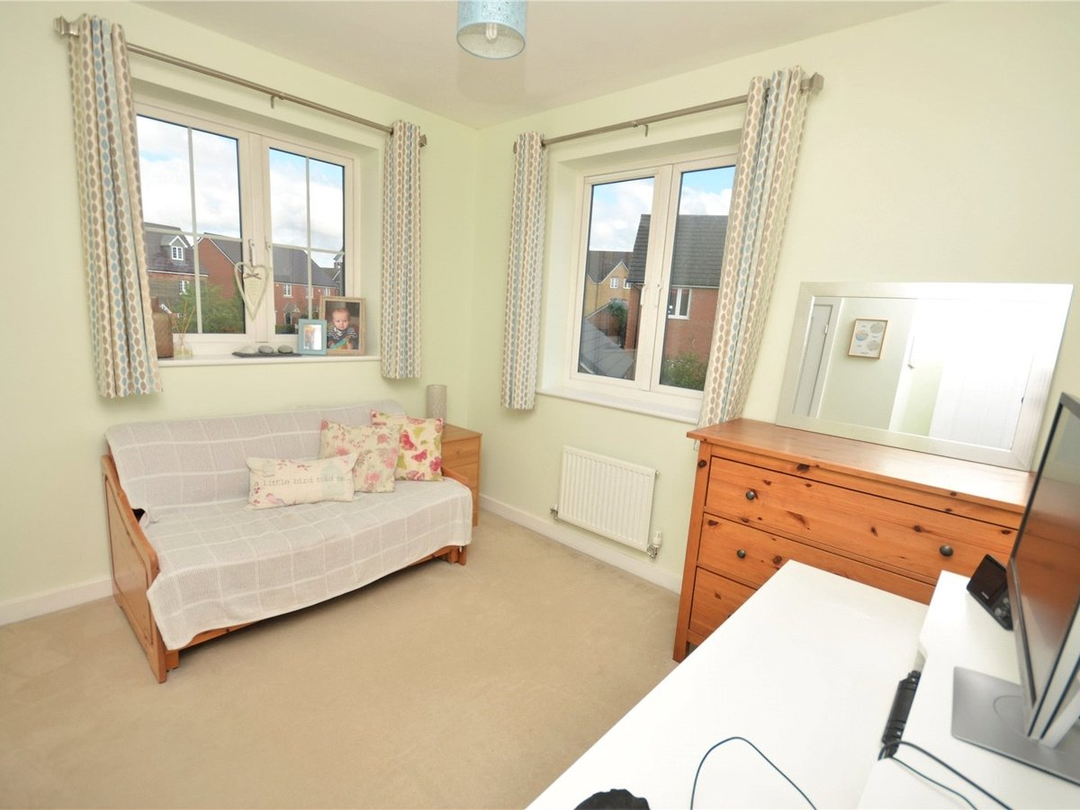 3 bedroom  House for sale in Bedfordshire - Slide 8