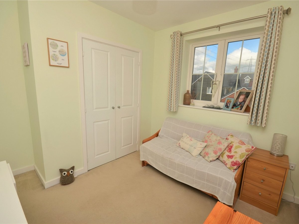 3 bedroom  House for sale in Bedfordshire - Slide 9