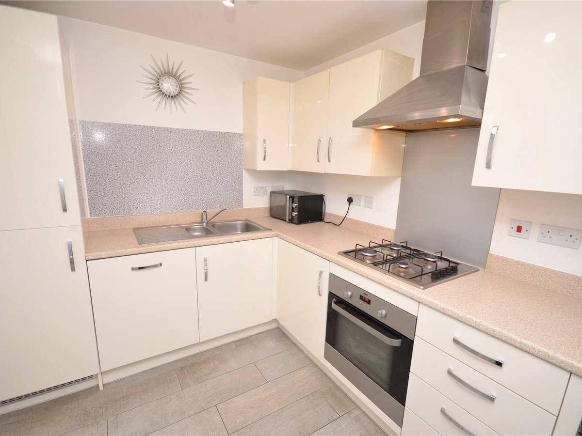 3 bedroom  House for sale in Bedfordshire - Slide 5