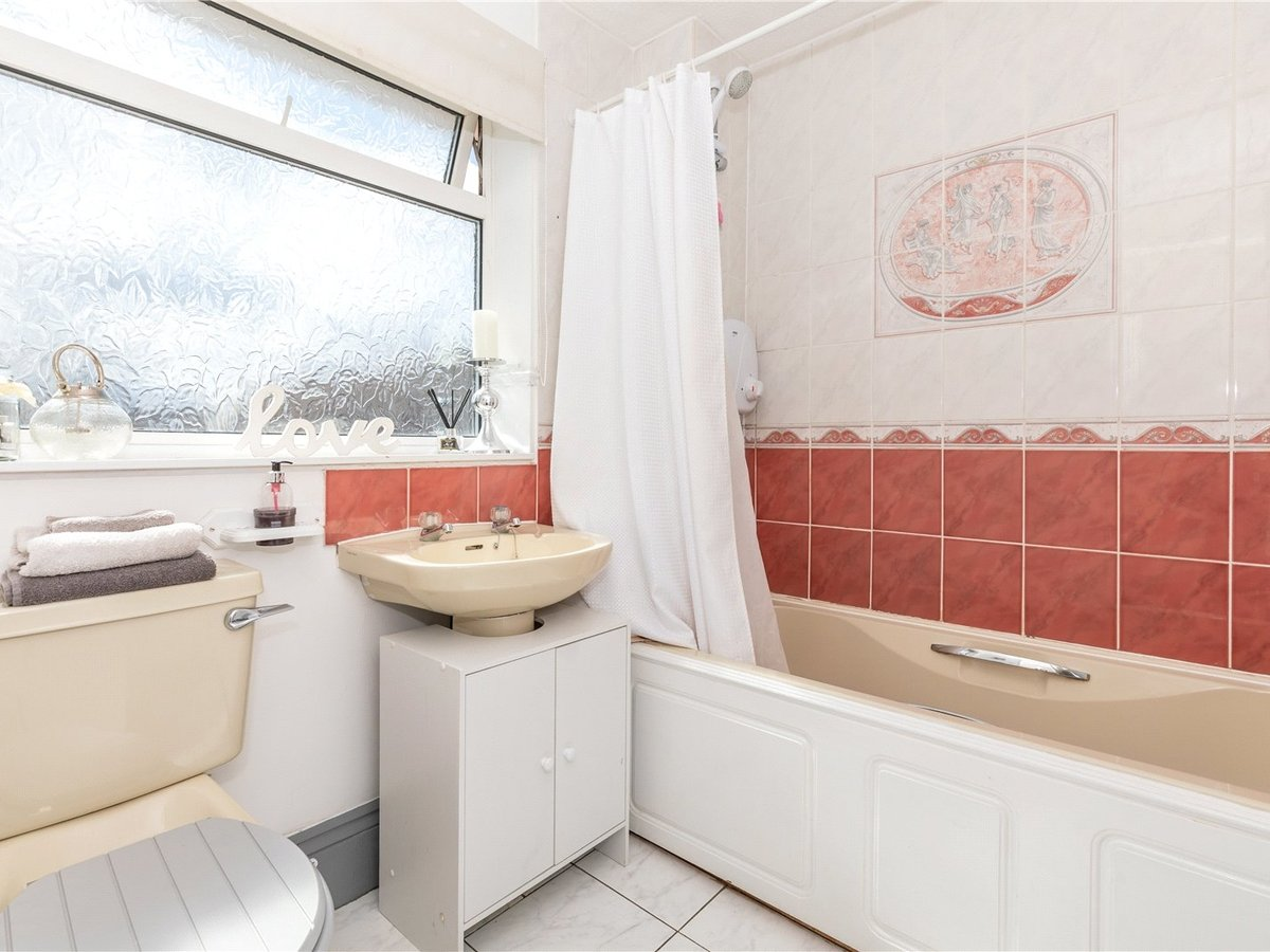 4 bedroom  House for sale in Leighton Buzzard - Slide 19