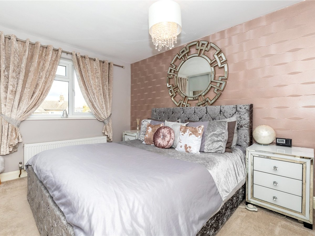 4 bedroom  House for sale in Leighton Buzzard - Slide 8