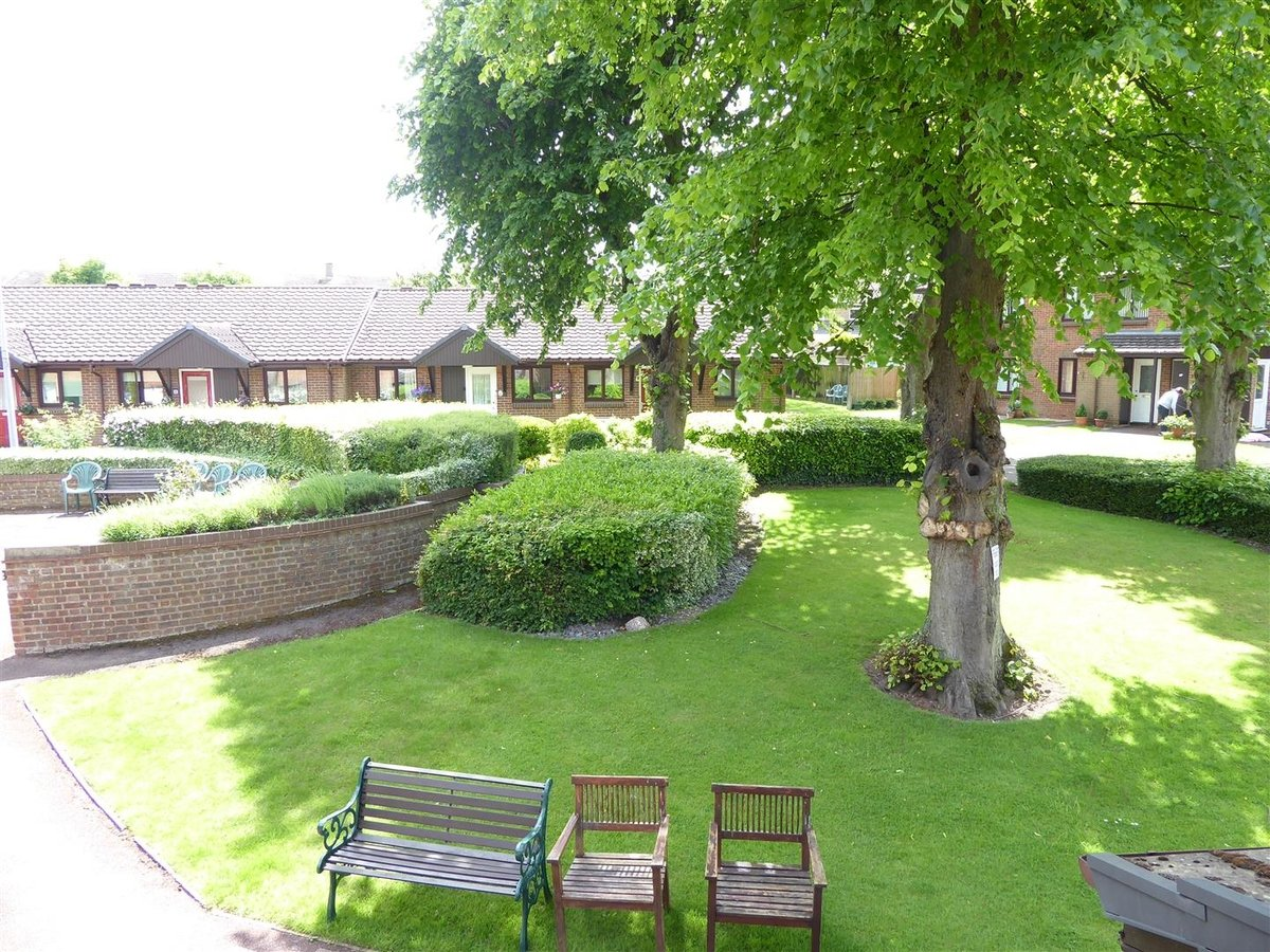 Flat - Retirement for sale in Dunstable - Slide 9