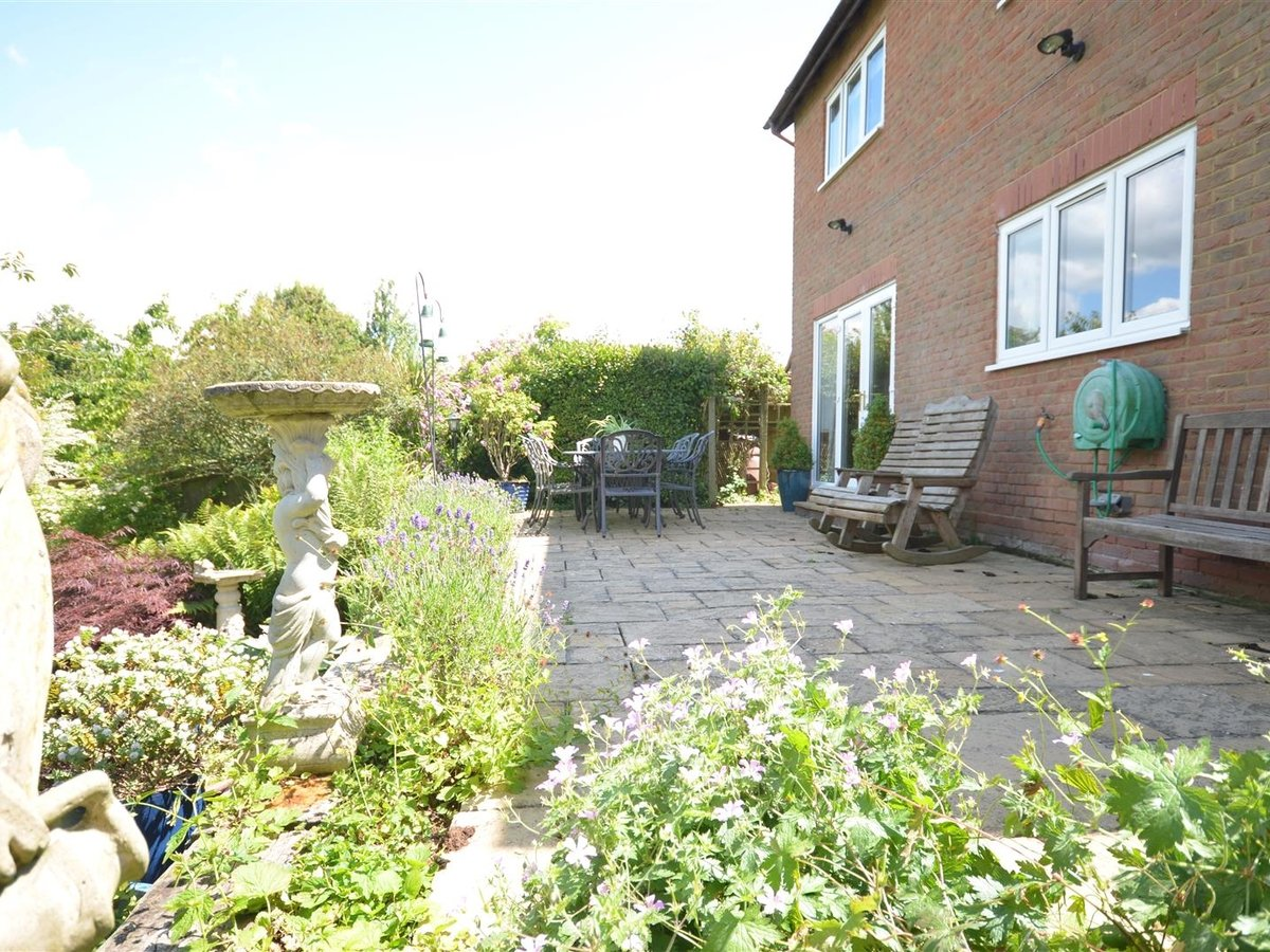House - Detached for sale in Waddesdon - Slide 22