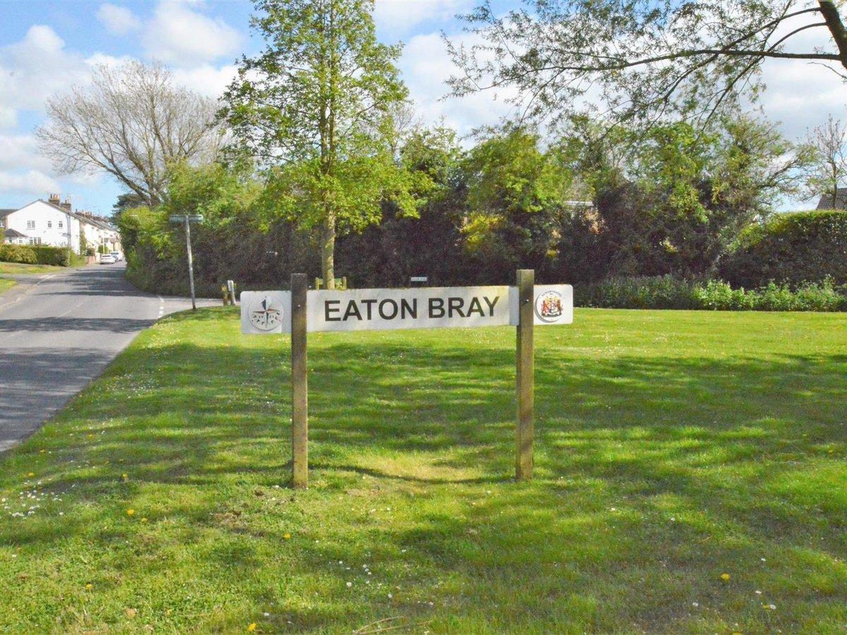 3 bedroom  Bungalow - Semi Detached for sale in Eaton Bray - Slide 19