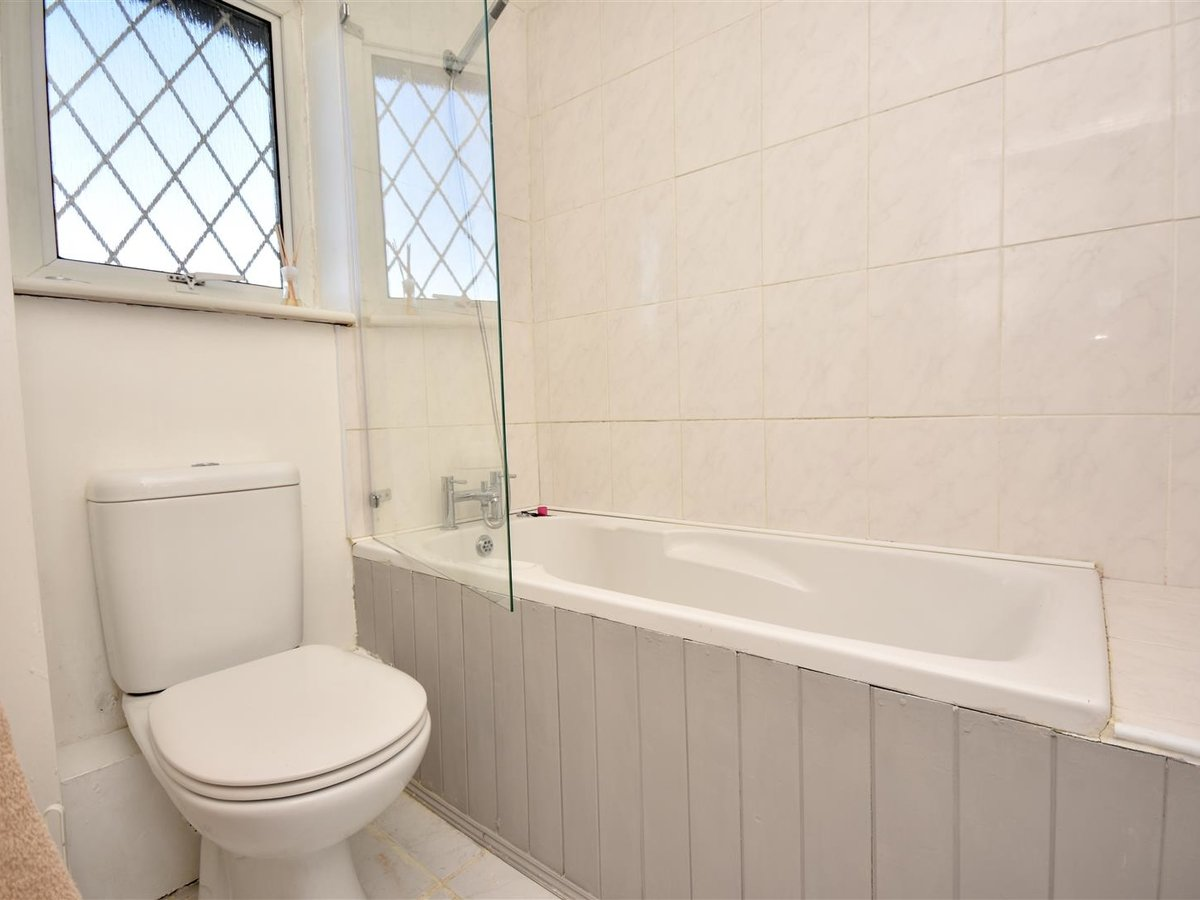 House for sale in Wing Leighton Buzzard - Slide 12