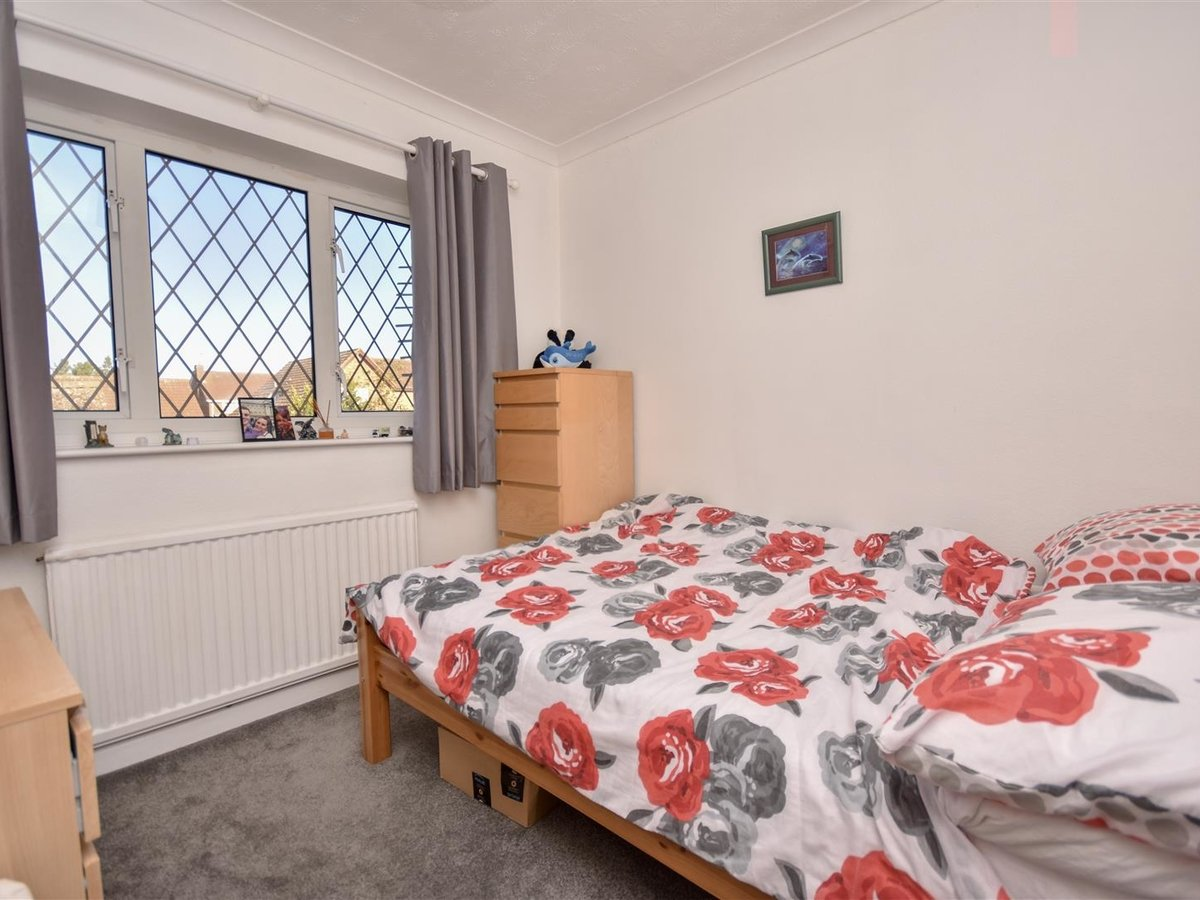 House for sale in Wing Leighton Buzzard - Slide 10