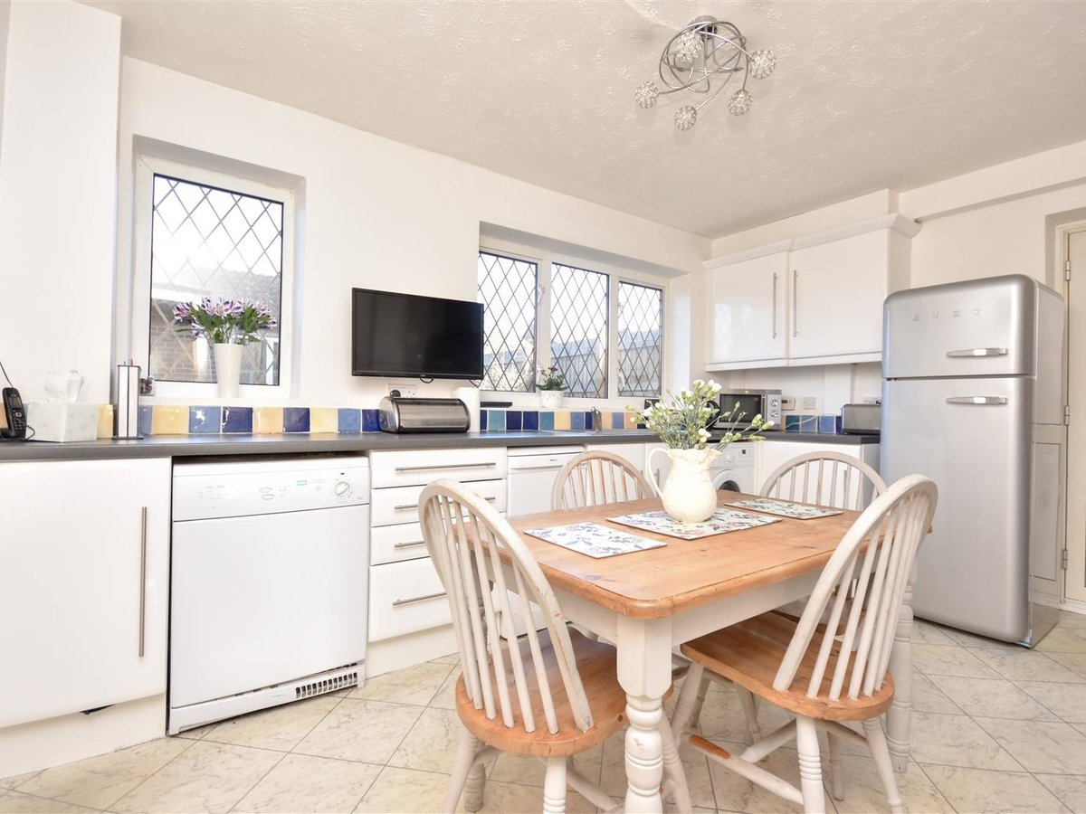 House for sale in Wing Leighton Buzzard - Slide 7