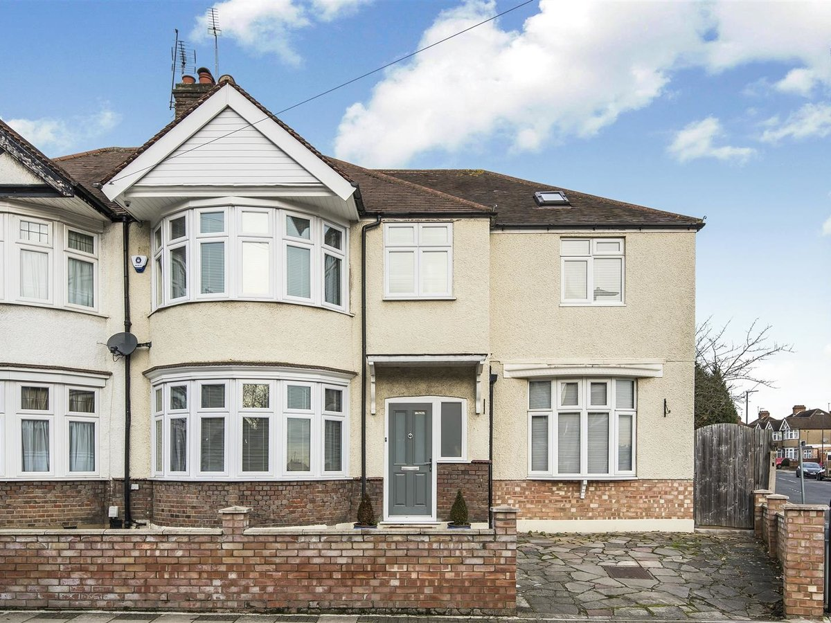 House - Semi-Detached for sale in Harrow - Slide 1