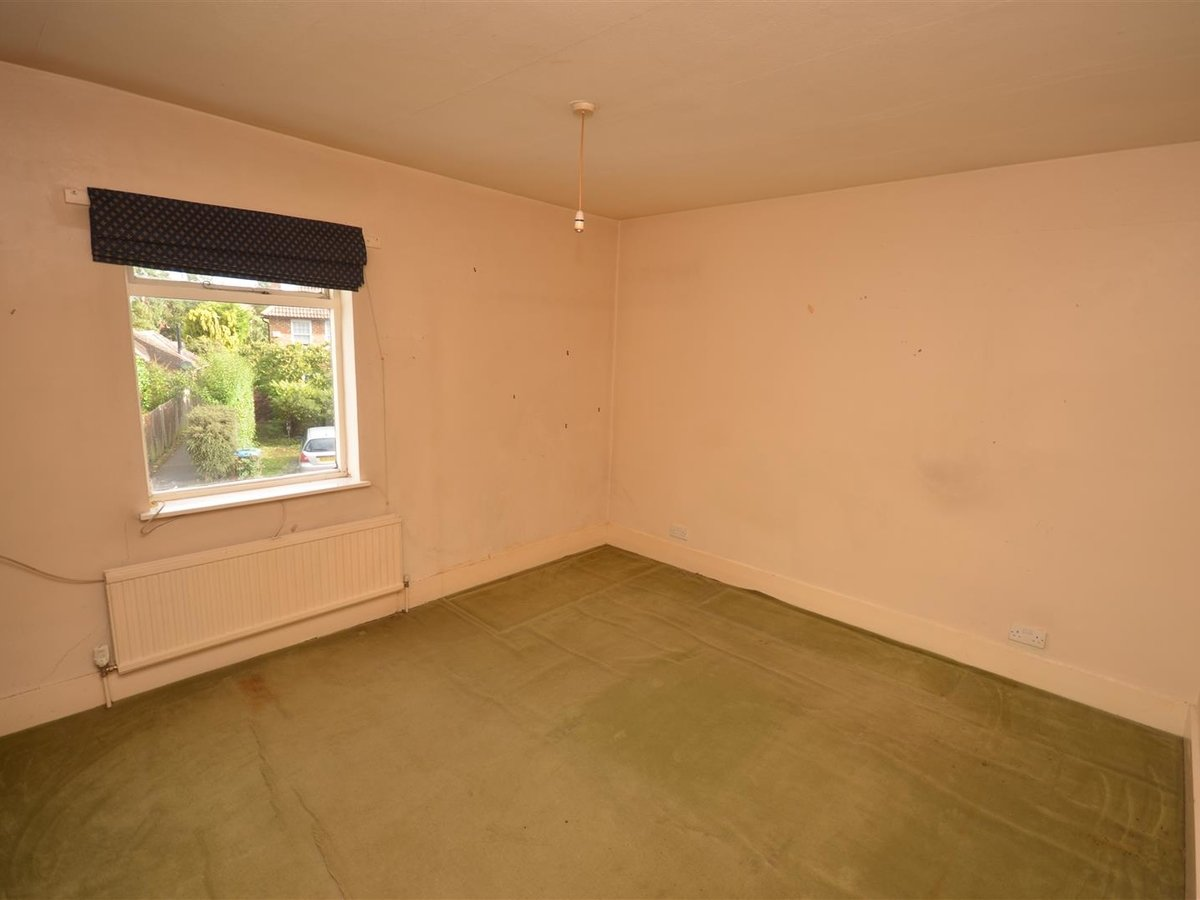 2 bedroom  House - Mid Terrace for sale in Leighton Buzzard - Slide 5