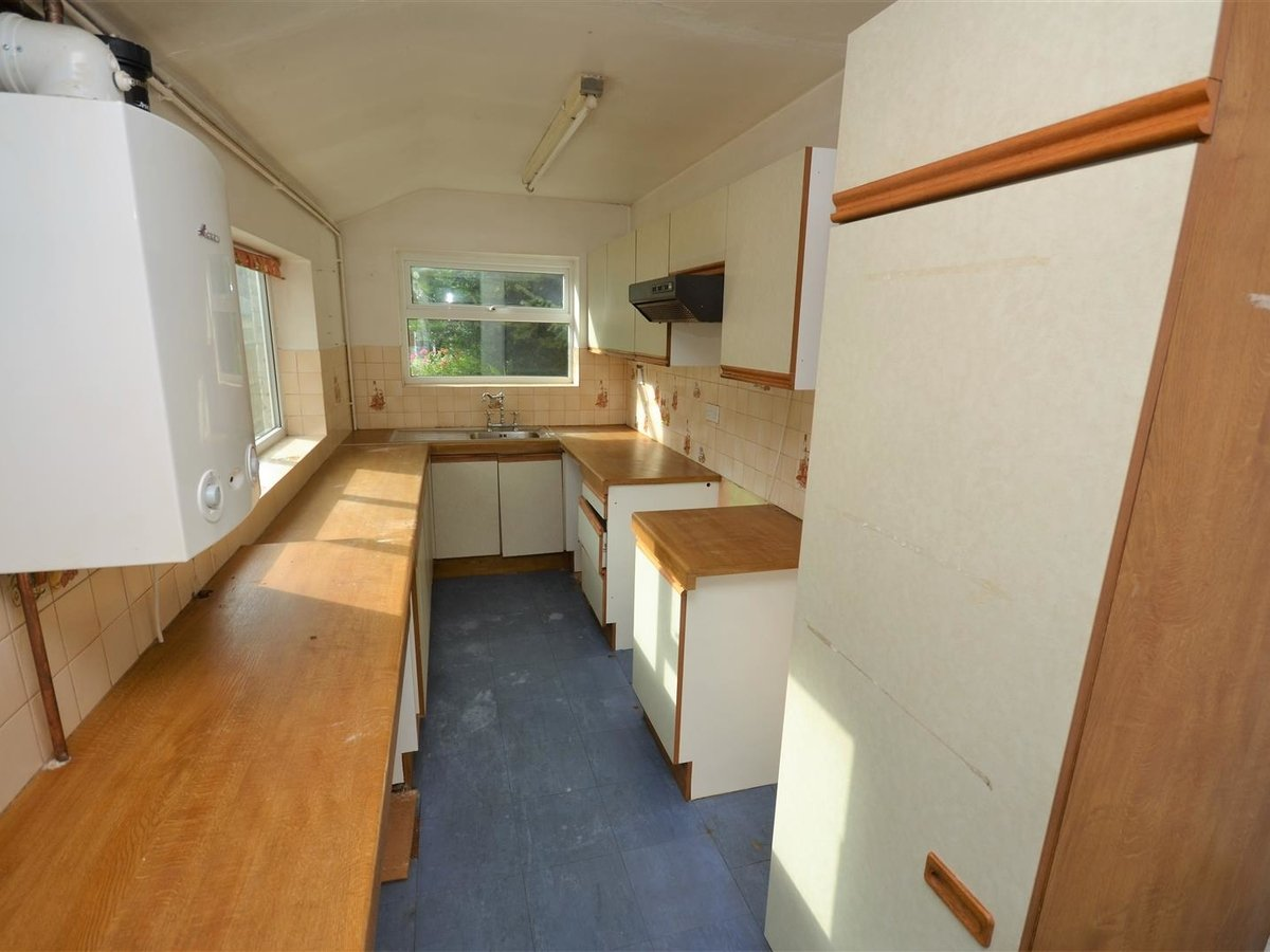 2 bedroom  House - Mid Terrace for sale in Leighton Buzzard - Slide 4