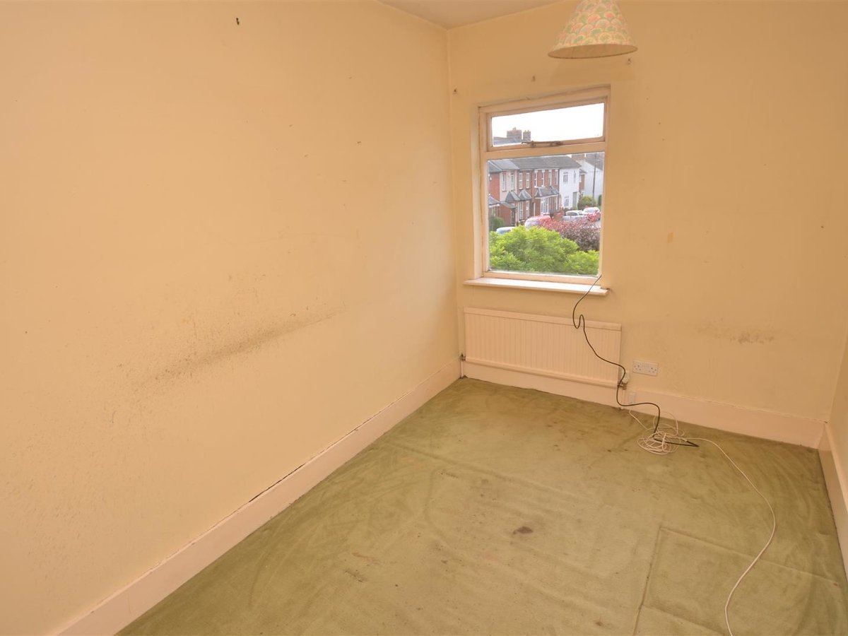 2 bedroom  House - Mid Terrace for sale in Leighton Buzzard - Slide 9