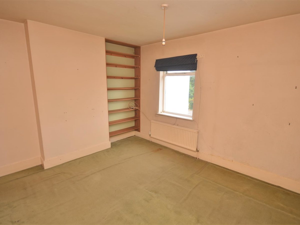 2 bedroom  House - Mid Terrace for sale in Leighton Buzzard - Slide 7