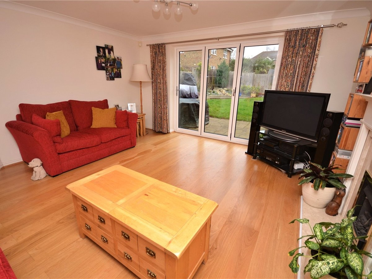 4 bedroom  House for sale in Aylesbury - Slide 3