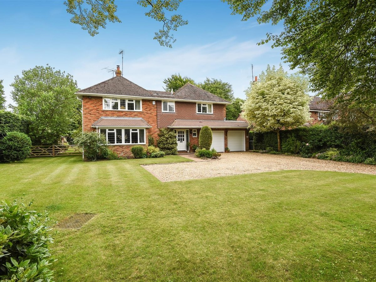 House - Detached for sale in Dunstable - Slide 25