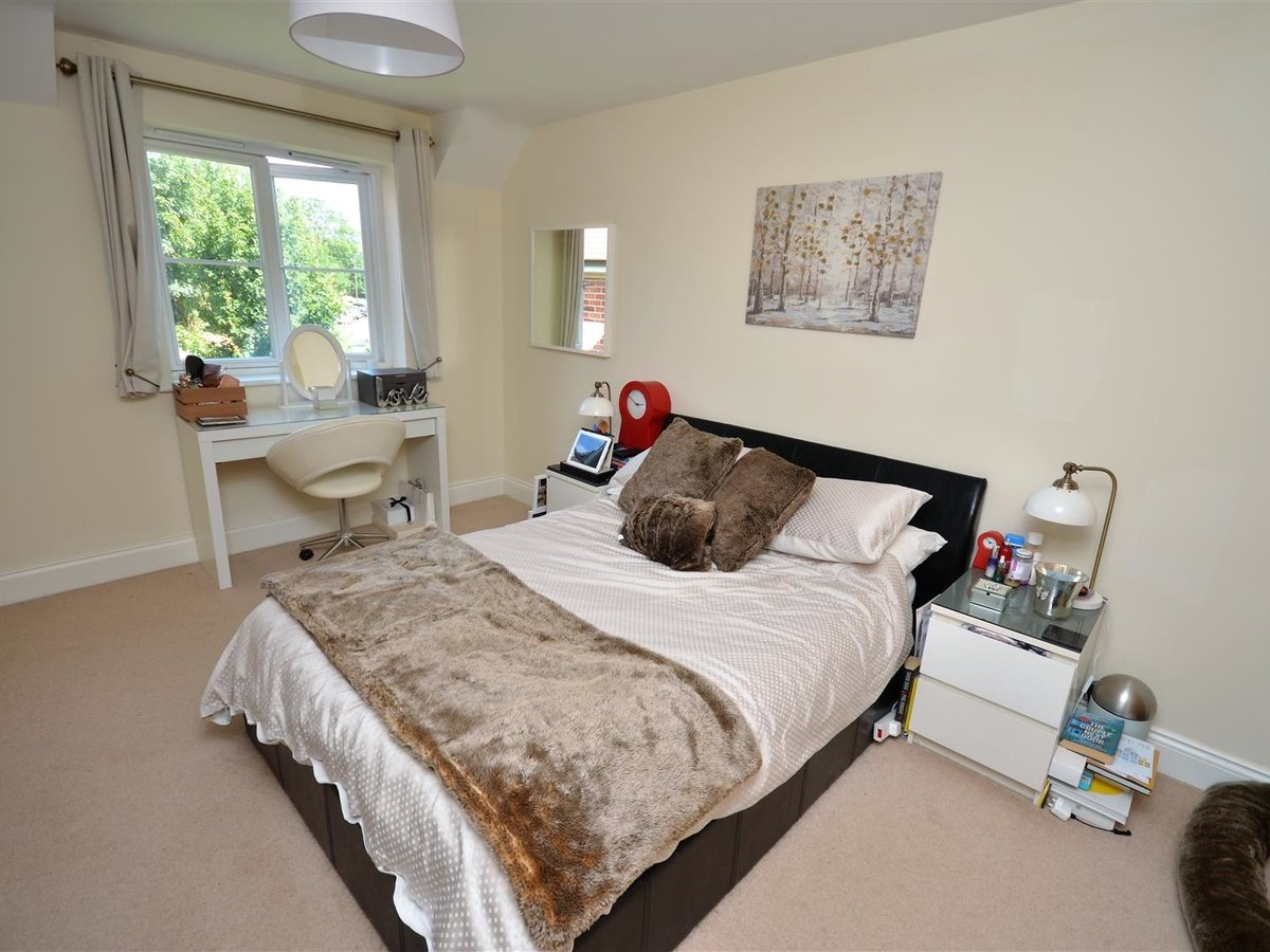 3 bedroom  House - Semi-Detached for sale in Whitchurch - Slide 8