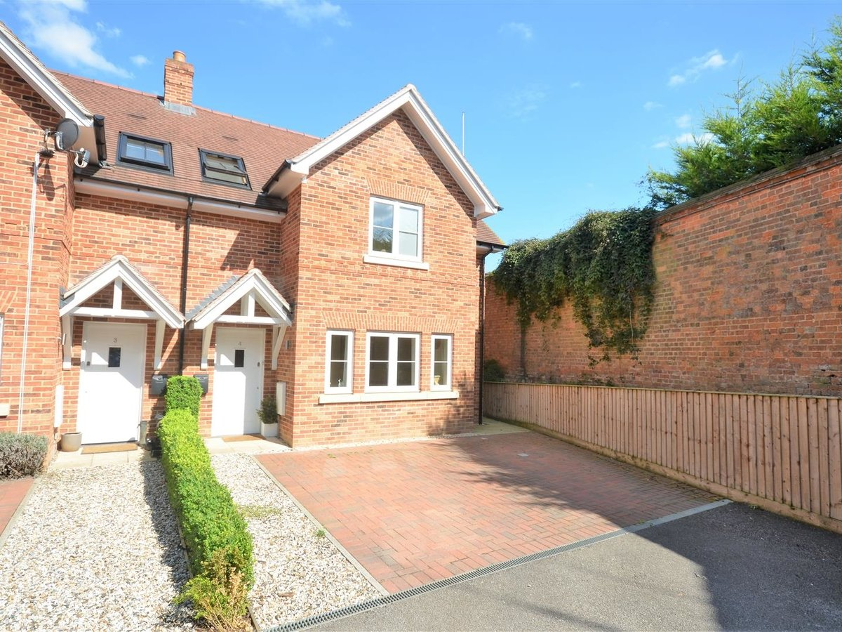 3 bedroom  House - Semi-Detached for sale in Whitchurch - Slide 15