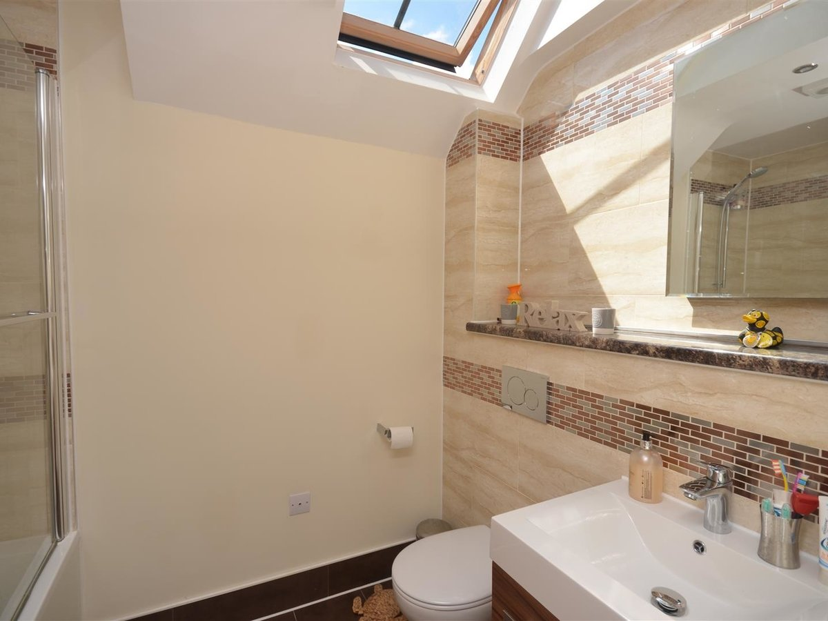 3 bedroom  House - Semi-Detached for sale in Whitchurch - Slide 12