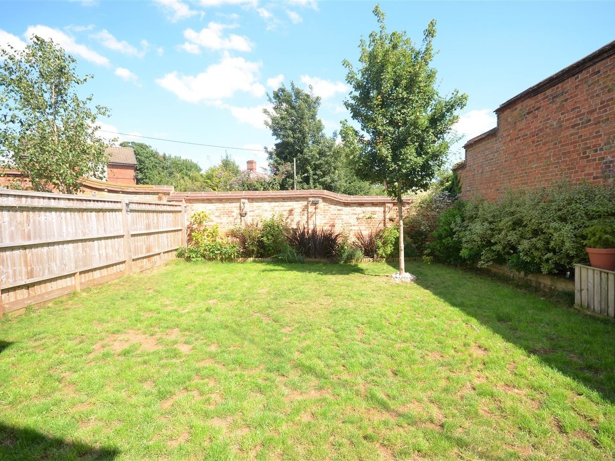 3 bedroom  House - Semi-Detached for sale in Whitchurch - Slide 3