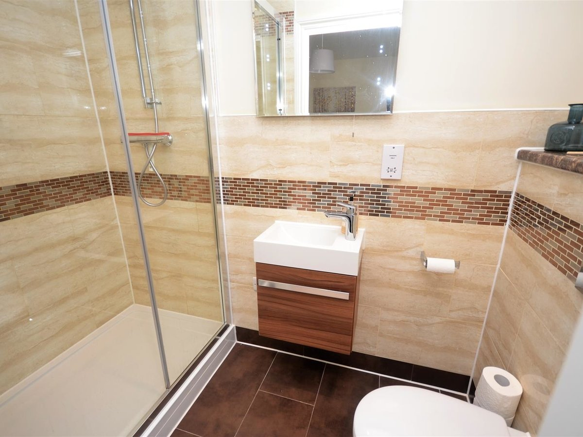 3 bedroom  House - Semi-Detached for sale in Whitchurch - Slide 9