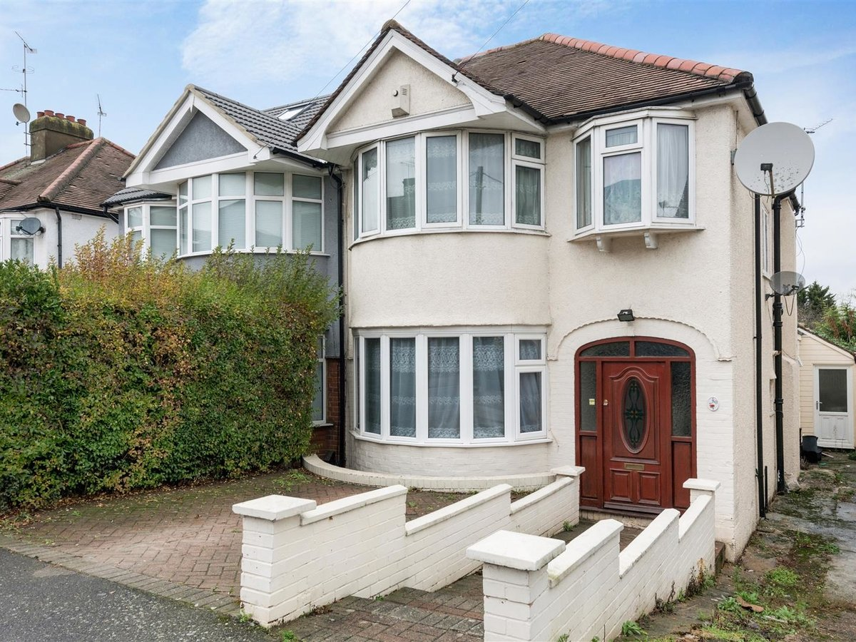 House - Semi-Detached for sale in Northolt - Slide 1