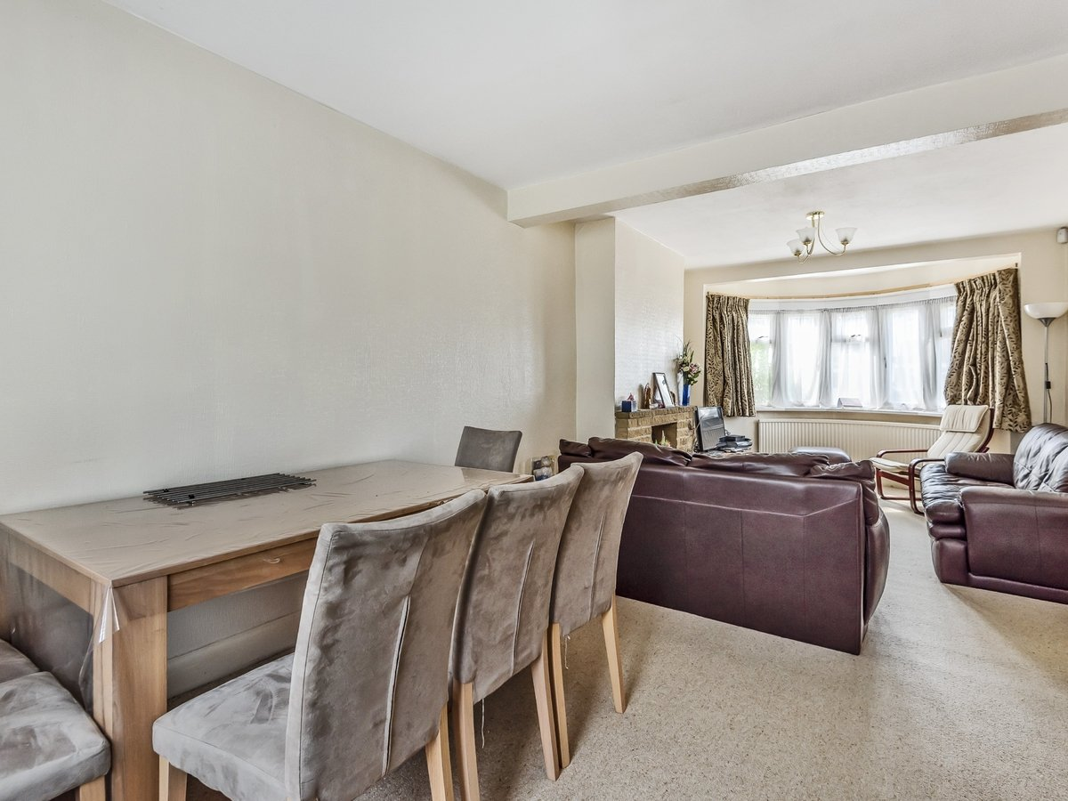 3 bedroom  House for sale in Harrow - Slide 5