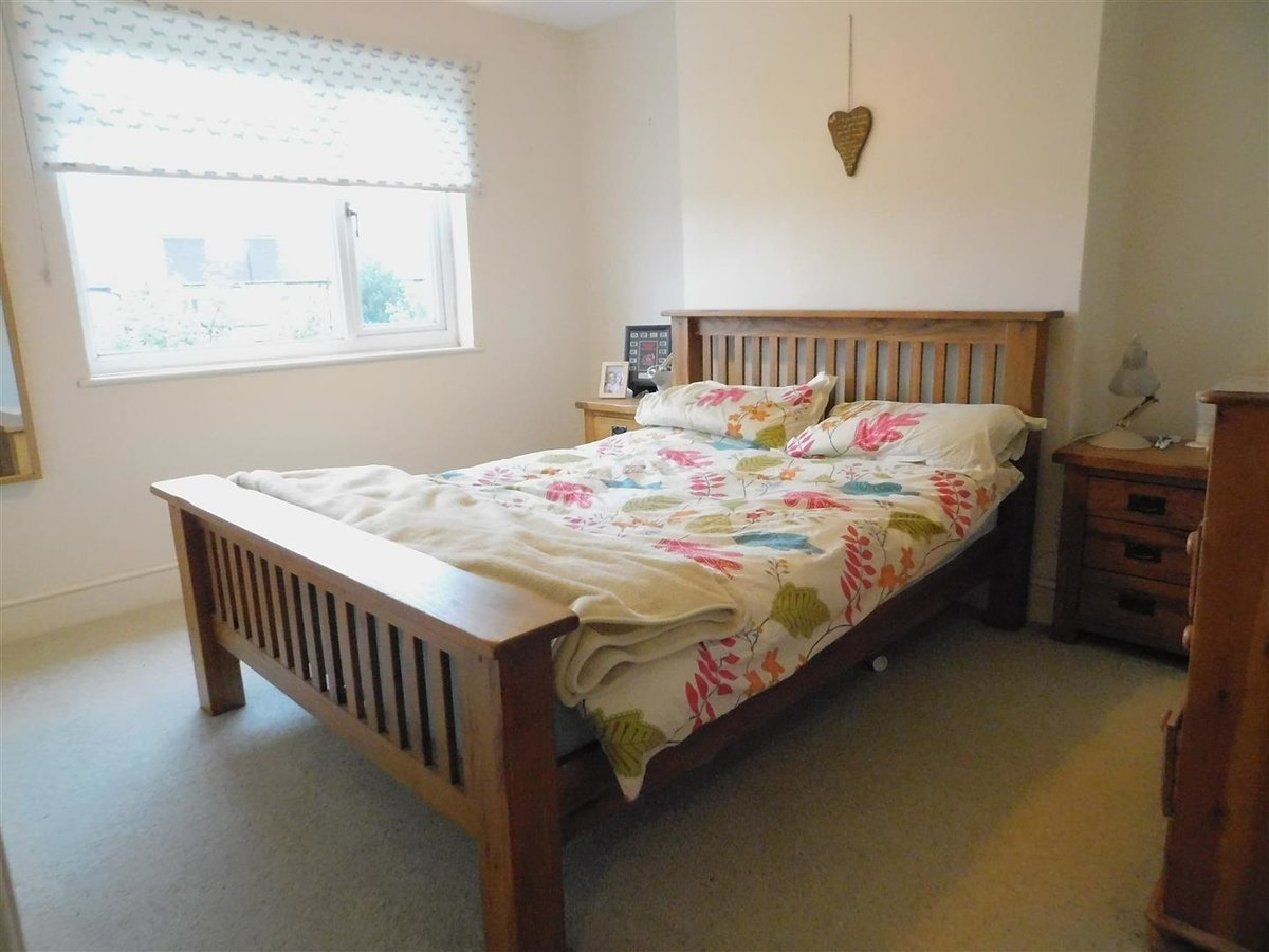 3 bedroom  House for sale in Harrow - Slide 6