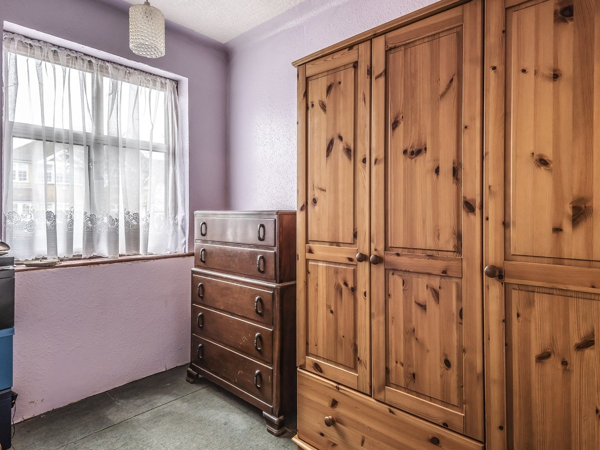 3 bedroom  SemiDetachedBungalow for sale in Pinner - Slide 8