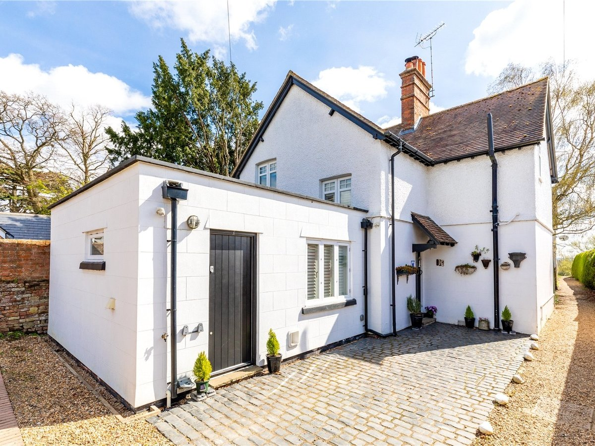 3 bedroom  House for sale in Leighton Buzzard - Slide 23