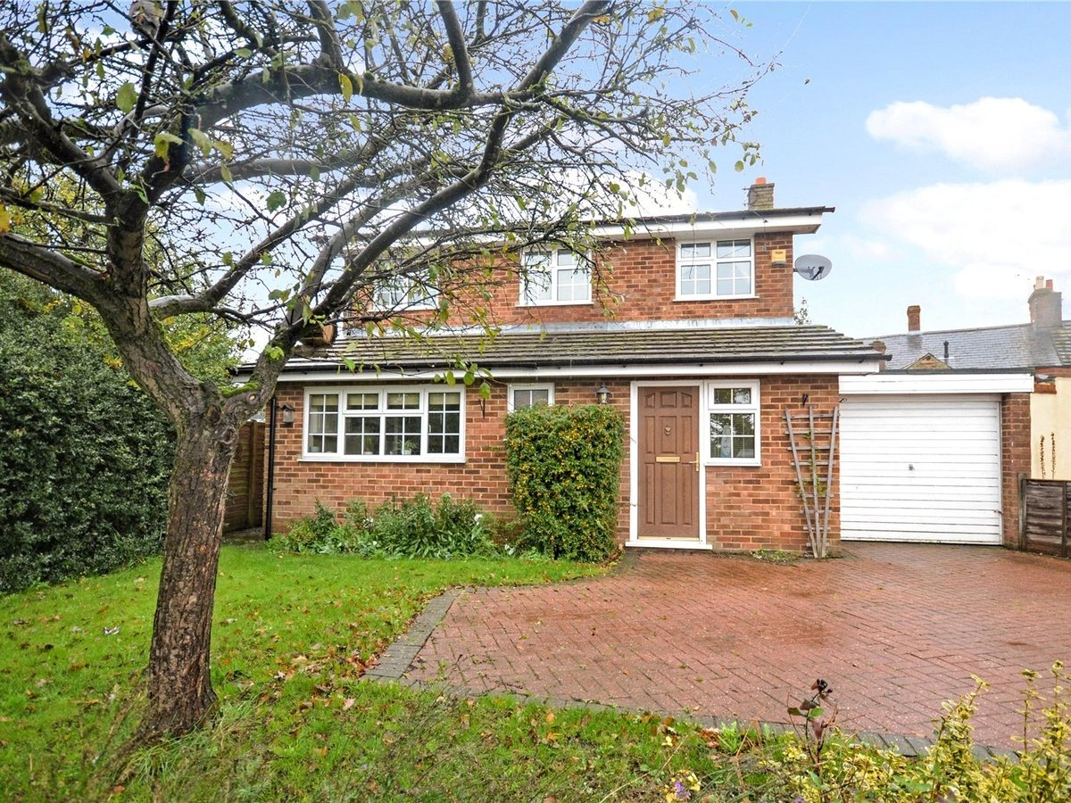 3 bedroom  House for sale in Leighton Buzzard - Slide 1