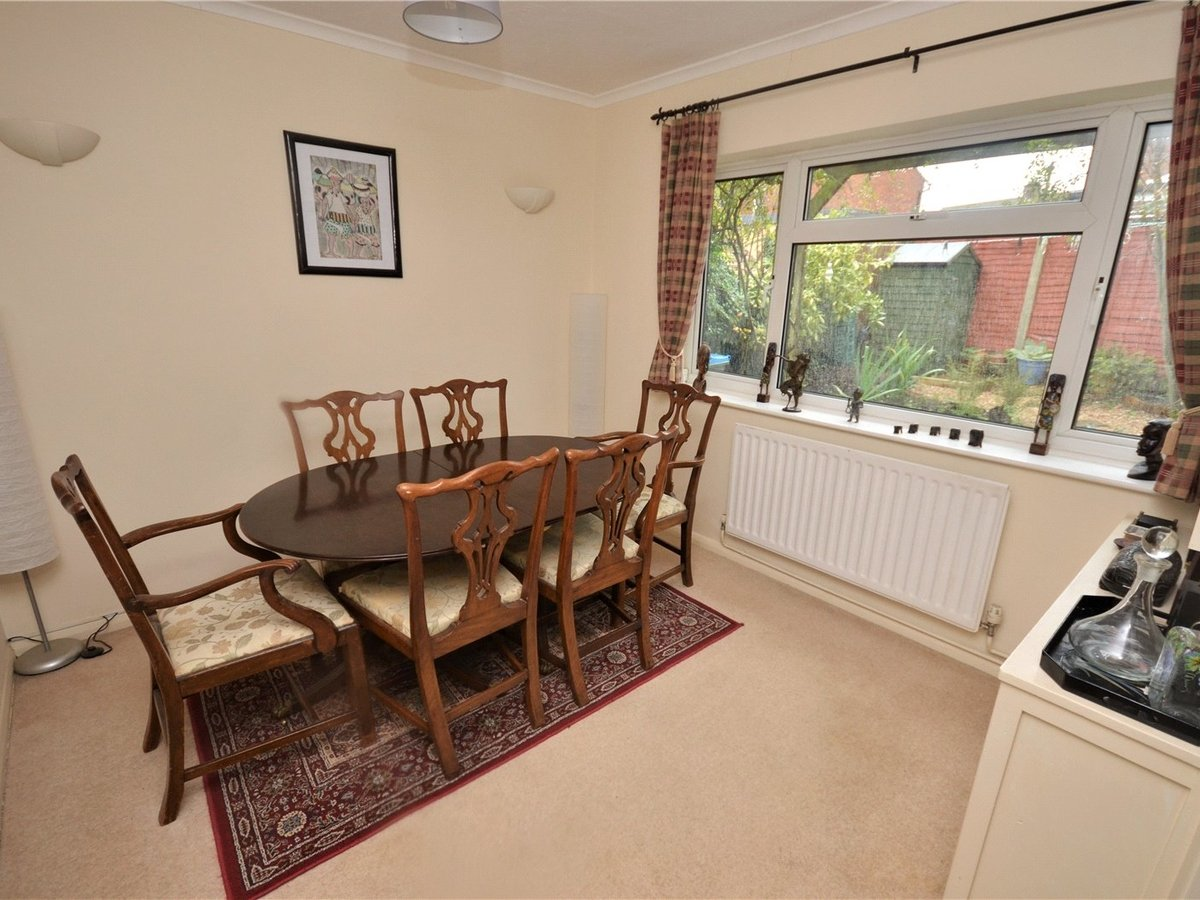 3 bedroom  House for sale in Leighton Buzzard - Slide 11