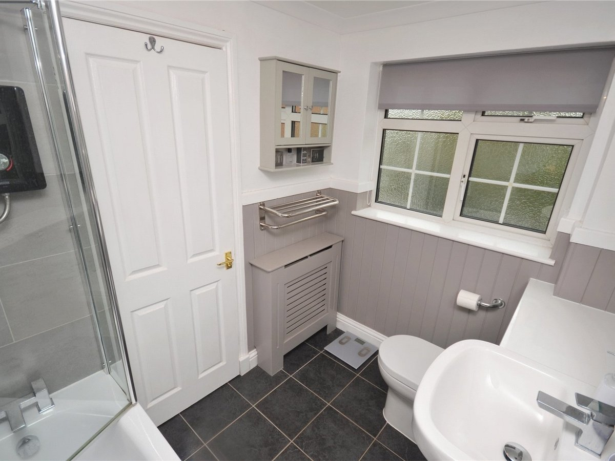 3 bedroom  House for sale in Leighton Buzzard - Slide 9